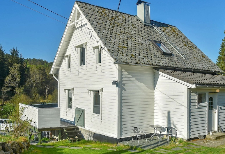 8 Person Holiday Home in Uggdal, Tysnes