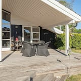 Charming Holiday Home in Føllenslev With Whirlpool