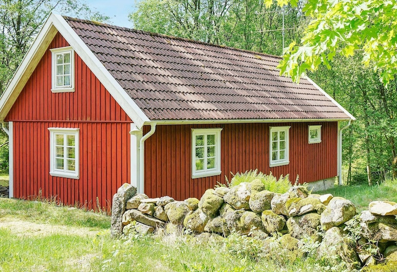 7 Person Holiday Home in Rolfstorp, 洛夫斯托柏