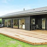Luxurious Holiday Home in Hadsund With Spa