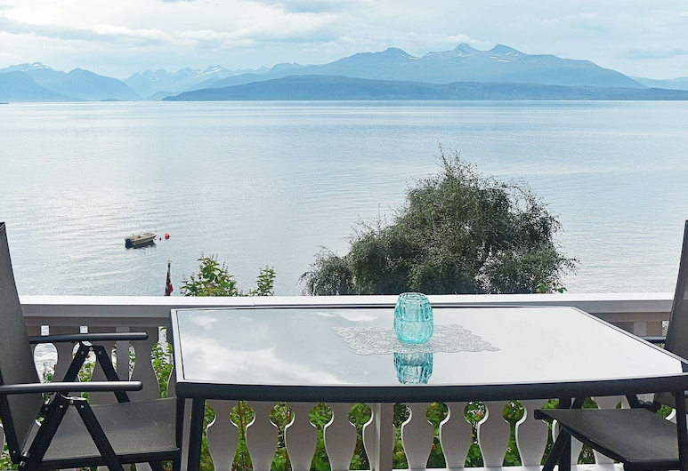 5 Person Holiday Home in Molde, Molde