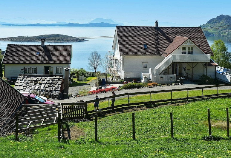 6 Person Holiday Home in Onarheim, Tysnes