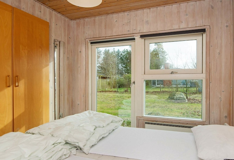 Angelic Holiday Home in Ørsted With Sauna, Ørsted, Szoba