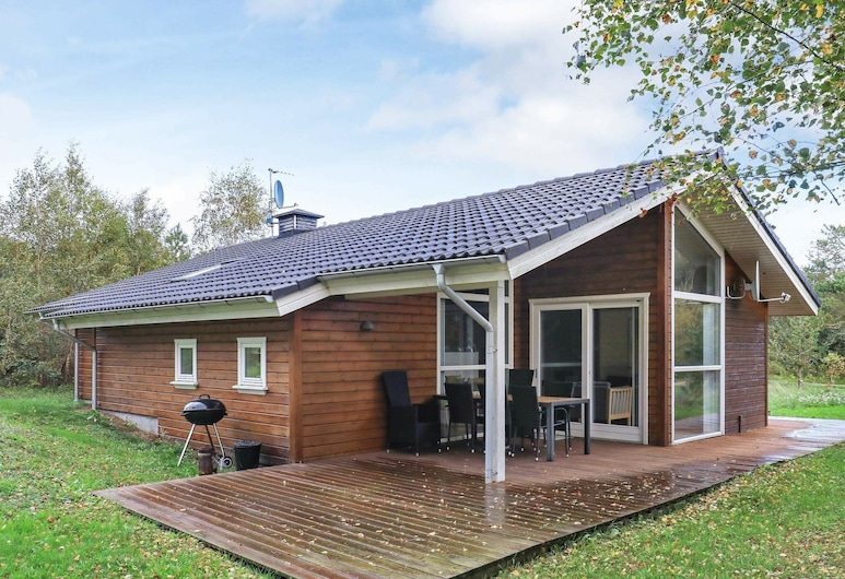 Cosy Holiday Home in Jutland With Whirlpool, Ringkobing, Room