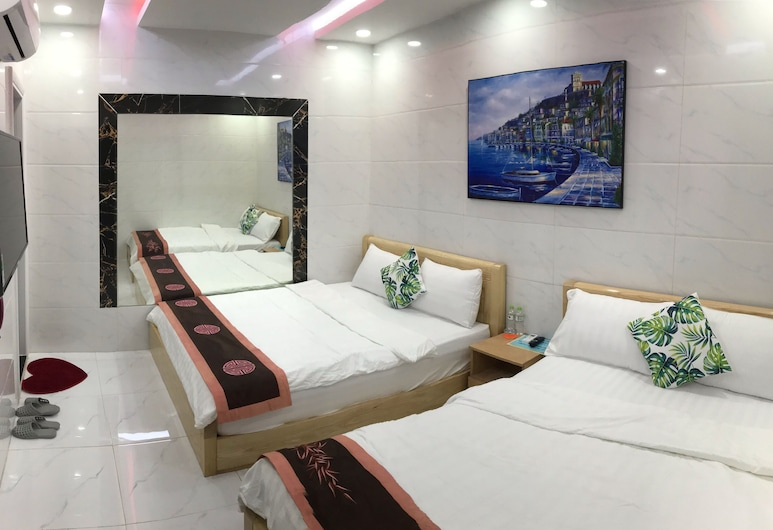 Deluxe Private Room , 2 bed ,4 Guests ,1 Private Bath, Ho Chi Minh City, Pokoj