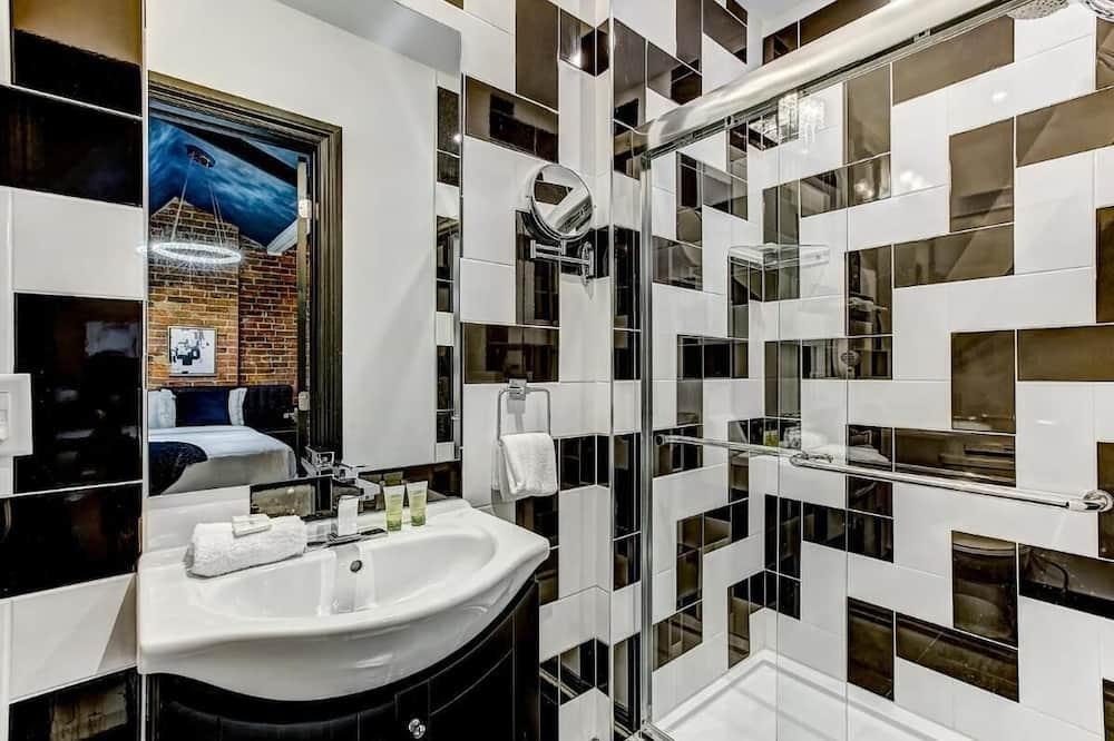 Zimmer, 1 Schlafzimmer - Badezimmer