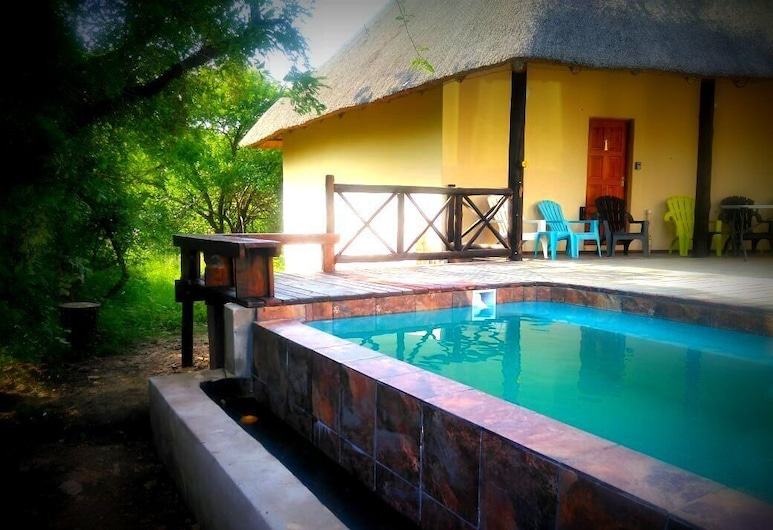 Lovely Holiday Home for a Large Family or Friends Bordering Kruger National Park, Taman Marloth