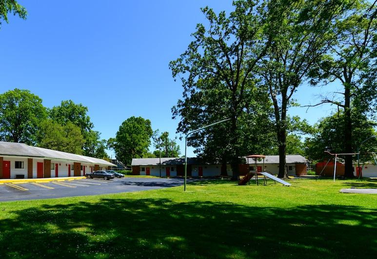 Oaks Motel, กรีนส์โบโร