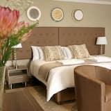 Luxury Suite, 1 Bedroom - Guest Room