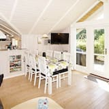 Cosy Holiday Home in Hemmet Near Sea