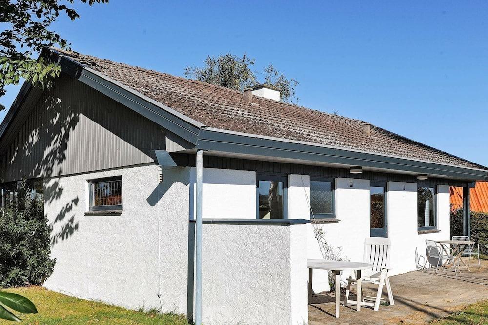 Peaceful Holiday Home in Bogense Near Sea, Bogense