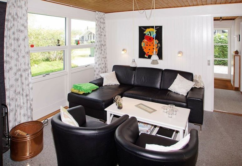 Stylish Holiday Home in Hemmet With Roofed Terrace, Hemmet, Wohnzimmer