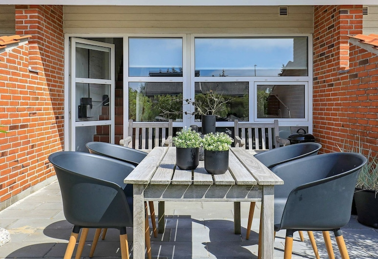 Lovely Holiday Home in Blåvand With Barbecue, Blavand, Balkon