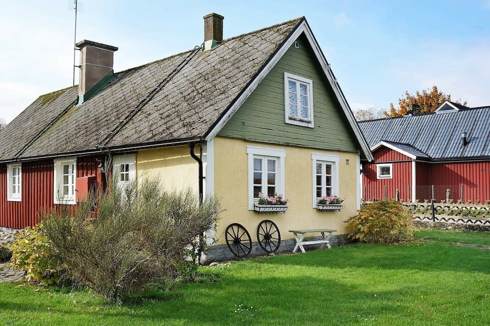 6 Person Holiday Home in Bromölla