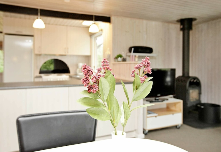 Modern Holiday Home in Norre Nebel With Terrace, Norre Nebel, Room