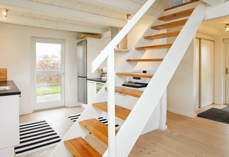 Spacious Holiday Home in Funen Near the Sea, Assens, Wohnzimmer