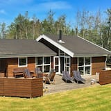Restful Holiday Home With Private Whirlpool in Strandby, Strandby