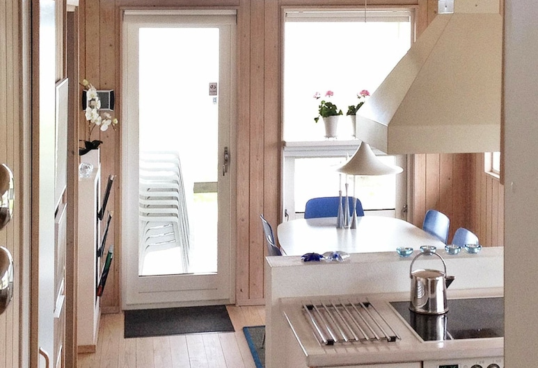 Peaceful Holiday Home in Børkop With Sea View, Borkop