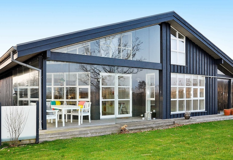Luxurious Holiday Home in Jutland With Private Jacuzzi, Odder