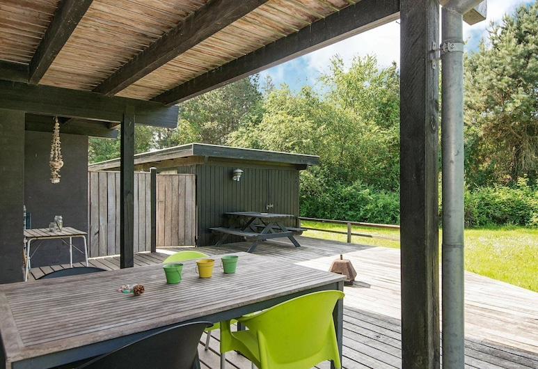 Peaceful Holiday Home in Knebel Jutland With Whirlpool, Knebel, Balkong