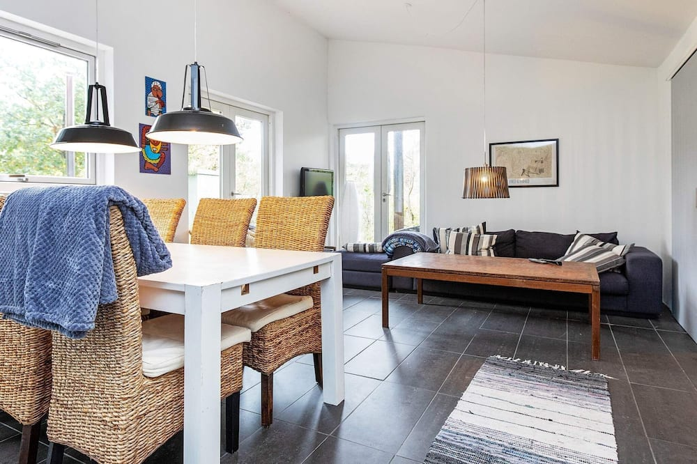 Peaceful Holiday Home in Højby With Whirlpool, Hojby