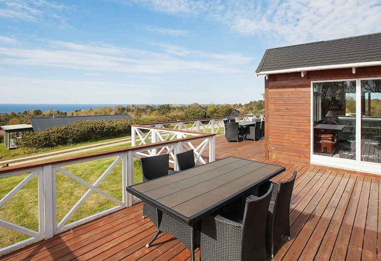 Spacious Holiday Home in Fårevejle With Swimming Pool, Faarevejle, Søudsigt