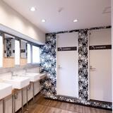 Общее спальное помещение, общий смешанный номер - Ванная комната