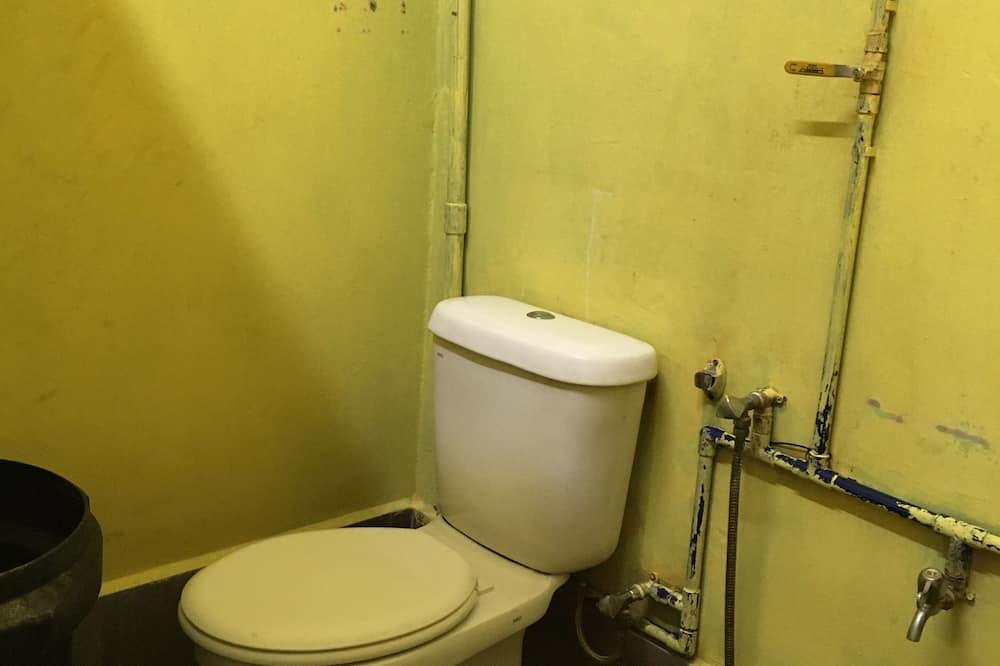 Deluxe Twin Room, Shared Bathroom - Bathroom
