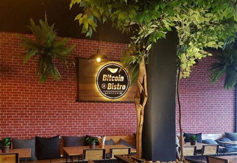 COZY Rooms @ Bitcoin Bistro, Pattaya, Restaurant