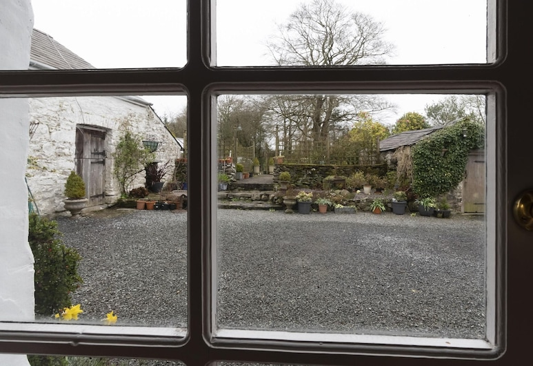 Secluded Holiday Home in Ceredigion With Garden, Llanon