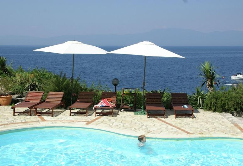 Delightful Apartment With Private Beach in Kraljevica, Kraljevica, Pool