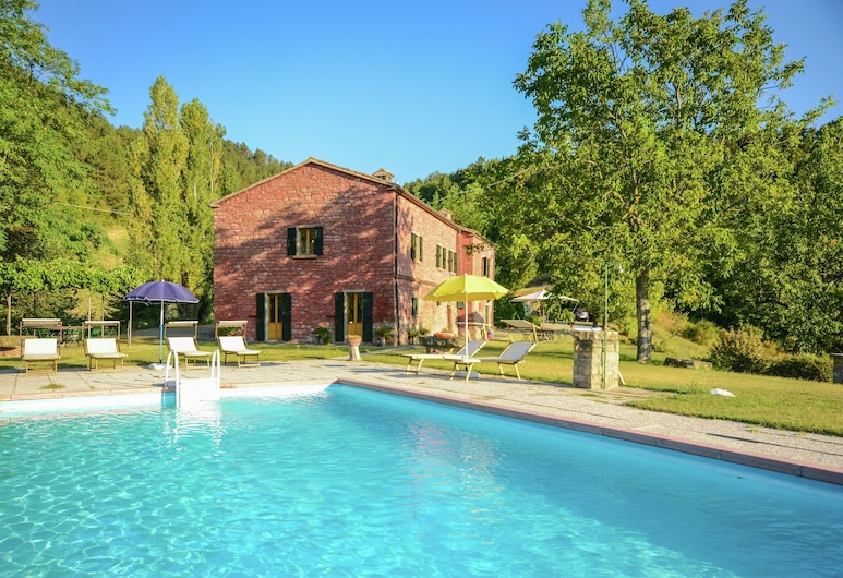 Sprawling Villa With Breathtaking Views in Emilia-romagna, Tredozio, Medence