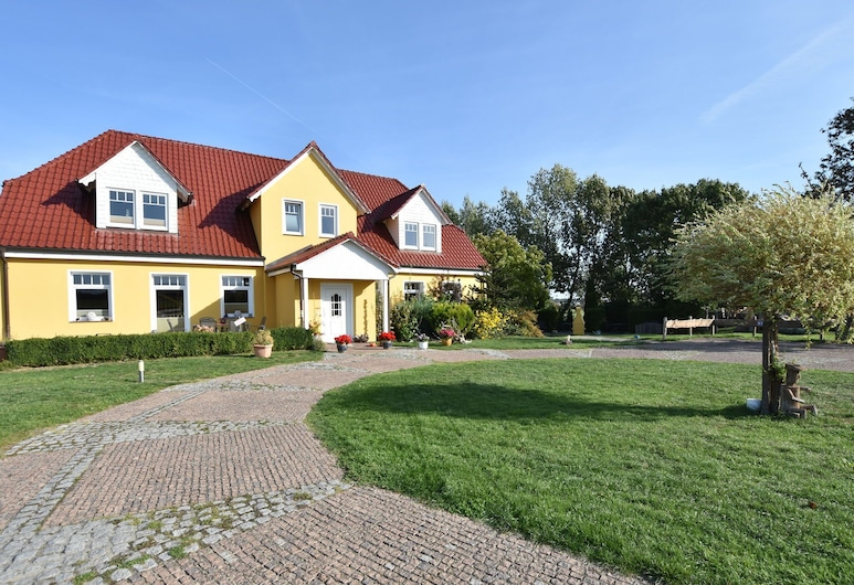 Homely Apartment in Kühlungsborn Near Seabeach, Kuehlungsborn
