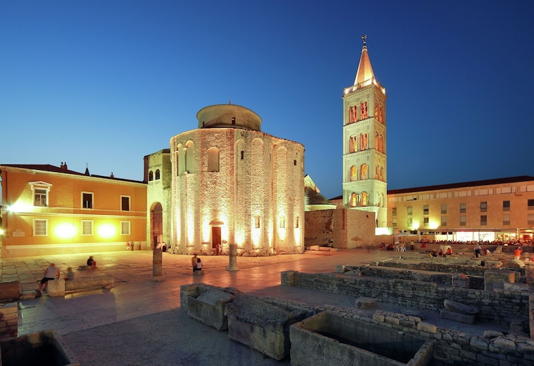 New Spacious Apartment Only 800 m far From Zadar Center, Parking Place, Wifi, Zadar, Exteriér