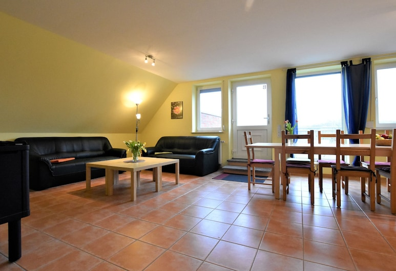 Spacious Holiday Home in Zierow With Garden, Zierow, House, Living Room