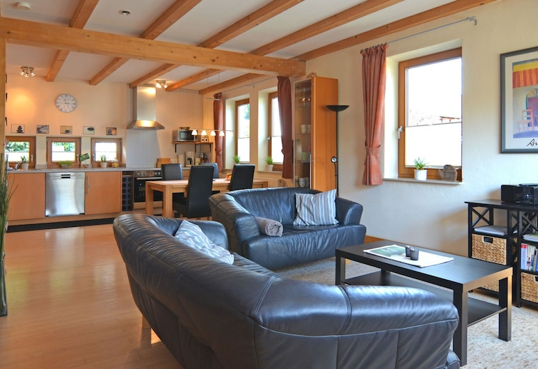 Luxurious Apartment in Eslohe With Private Terrace, Eslohe, Apartment, Living Room