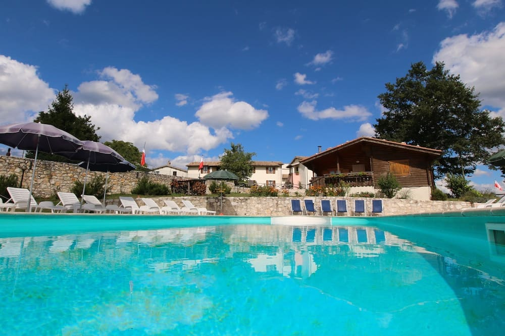 Farmhouse in Pupaggi With Swimming Pool,terrace, Garden, BBQ