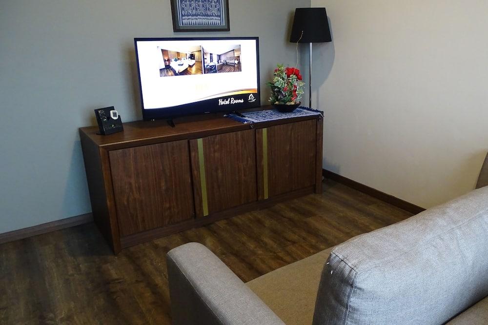 Supreme King - Living Room