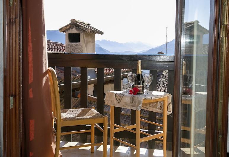 CaLuisel, Tenno, Family Apartment, Multiple Beds, 2 Bathrooms, Mountainside (CaLuisel), Balcony