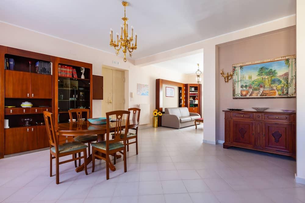Appartement, 3 slaapkamers - Eetruimte in kamer