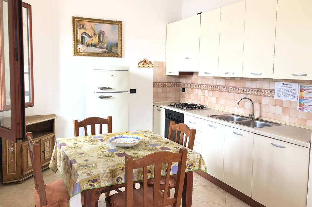 Apartment, 2 Bedrooms - Tempat Makan dalam Bilik