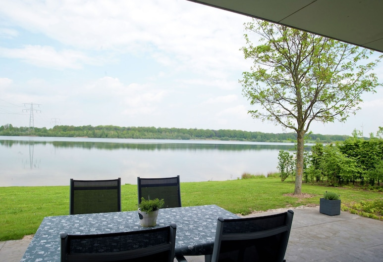 Spacious House With a Dishwasher, Located in a Wetland Area, Heel, Huis, Balkon