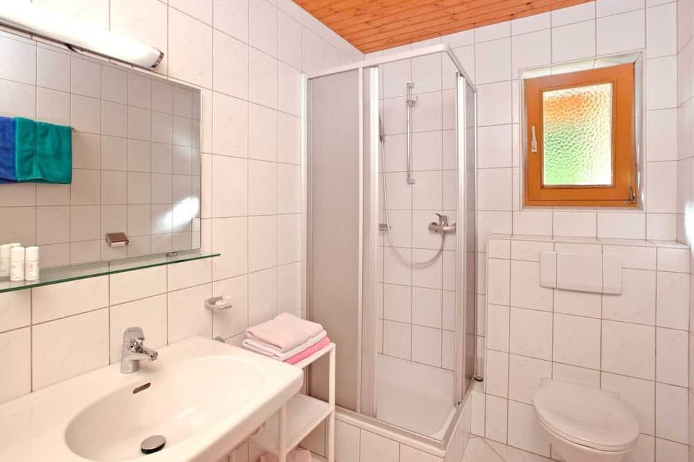 單棟房屋 - 浴室
