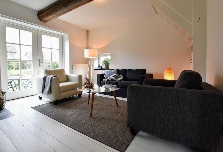 Luxurious Holiday Home in Eijsden Near the River, Eijsden, Woonkamer
