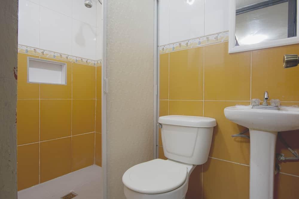 Standardzimmer, 1 Doppelbett - Badezimmer