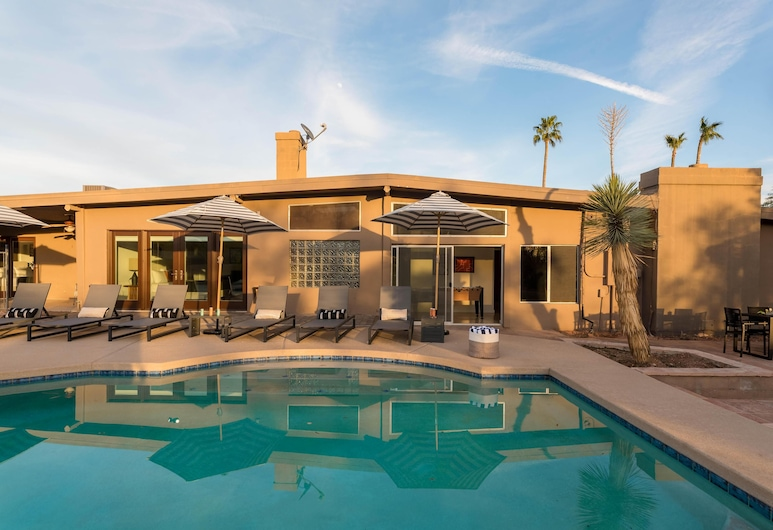Caspian - Spacious Desert Oasis w Pool, Table Tennis, & Fire Pit, Paradise Valley, House, Multiple Beds (Caspian - Spacious Desert Oasis w Poo), Pool