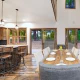 Domek, více lůžek (Elkhorn by AvantStay | Secluded Cabin) - Obývací pokoj