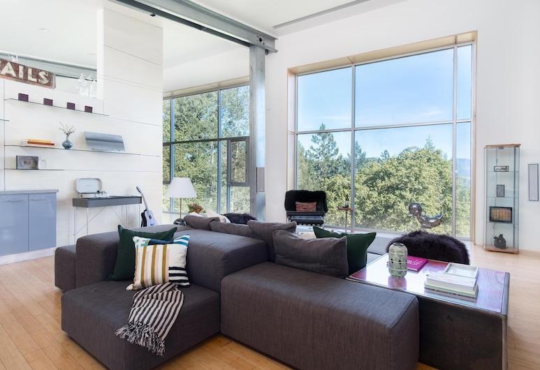 Blue Steel - Ultramodern Architectural Masterpiece w Gorgeous Views, 聖羅莎, 獨棟房屋, 多張床 (Blue Steel - Ultramodern Architectura), 客廳