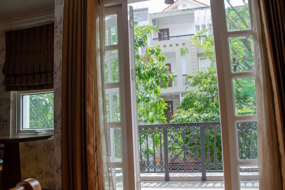 Deluxe Studio Suite - Balcony