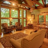 Cabin, Multiple Beds (Tree House) - Living Room